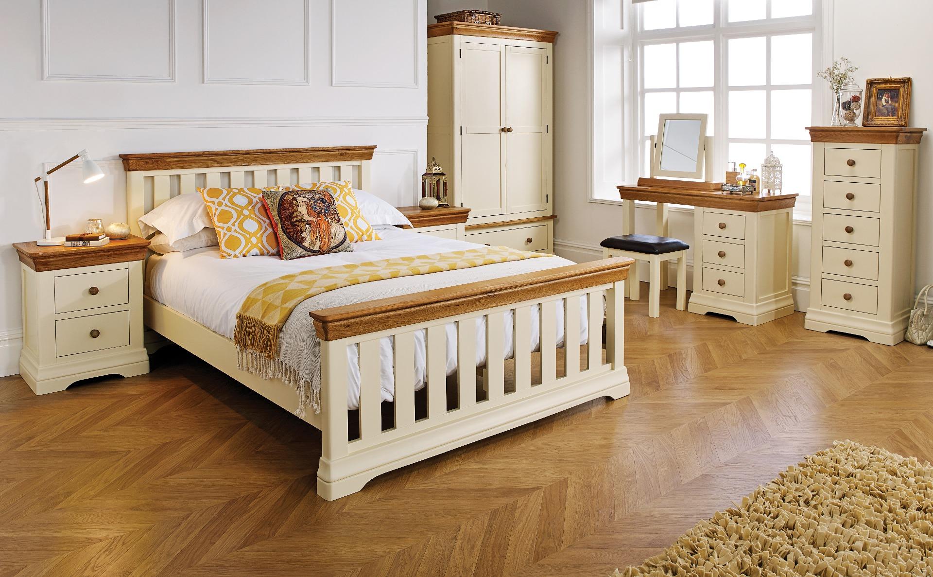 cream painted bedroom furniture Farmhouse oak range