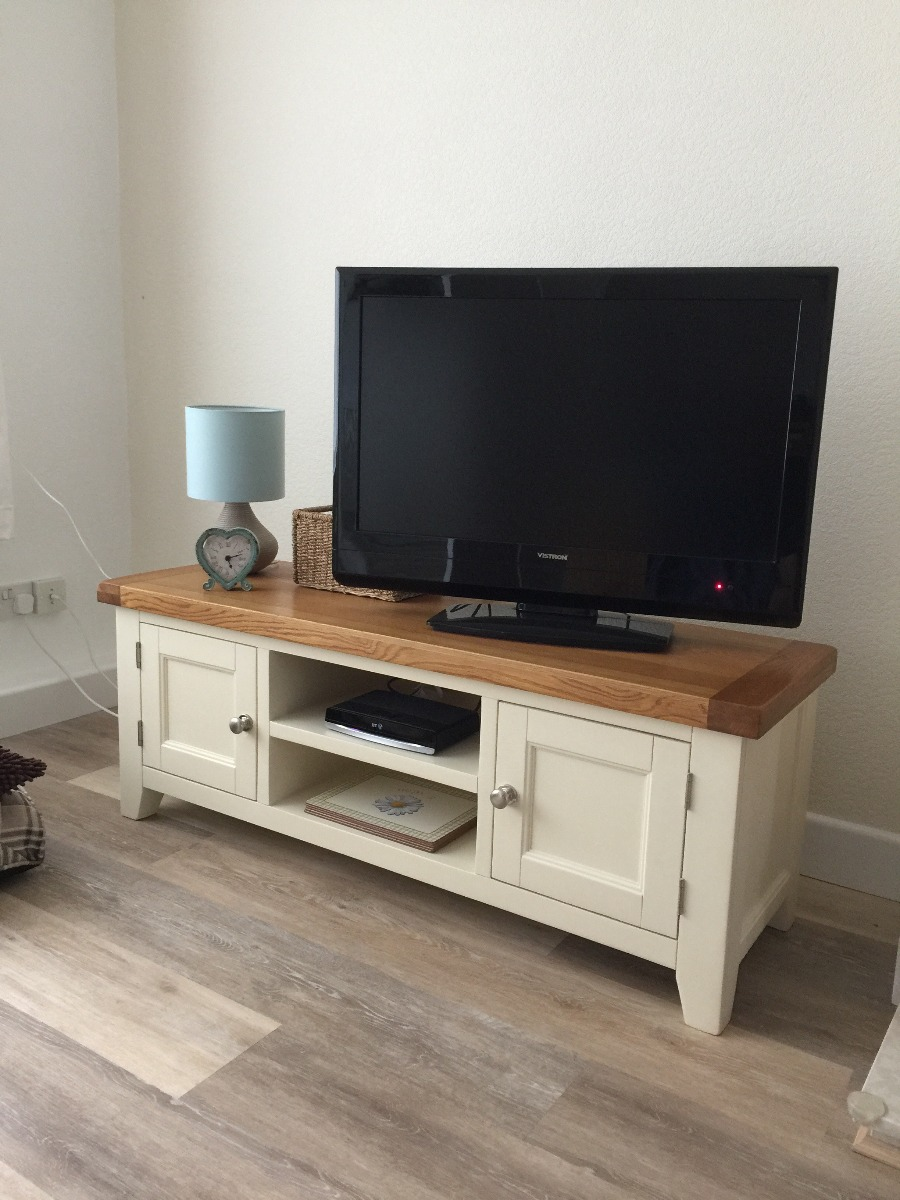 Cream painted oak tv unit