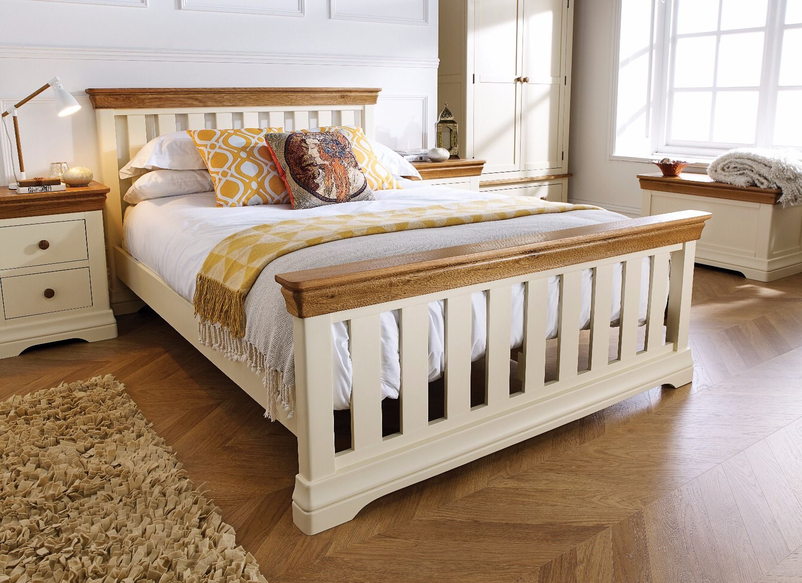 Picture of: Cream Painted Slatted 5 Foot King Size Oak Bed Free Delivery Top Furniture