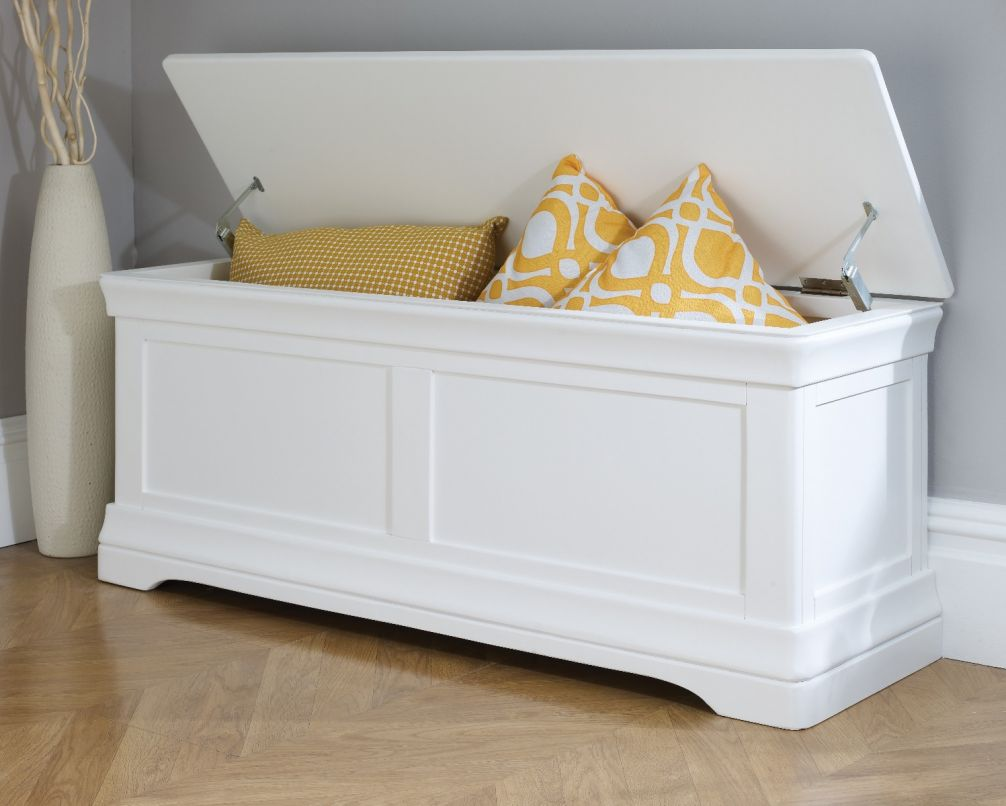 Fantastic Large Farmhouse White Painted Blanket Storage Box Ottoman Download Free Architecture Designs Terstmadebymaigaardcom