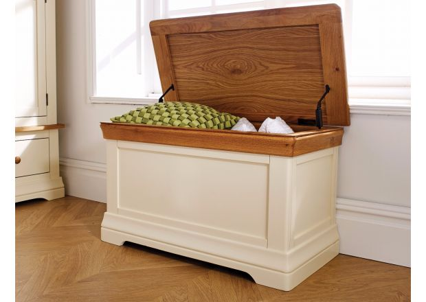 Farmhouse Country Oak Cream Painted Storage Blanket Box