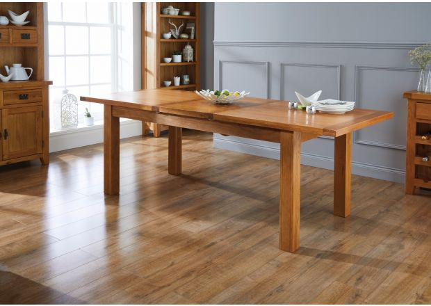 Country Oak 1.8m to 2.3m Butterfly Extending Oak Dining Table