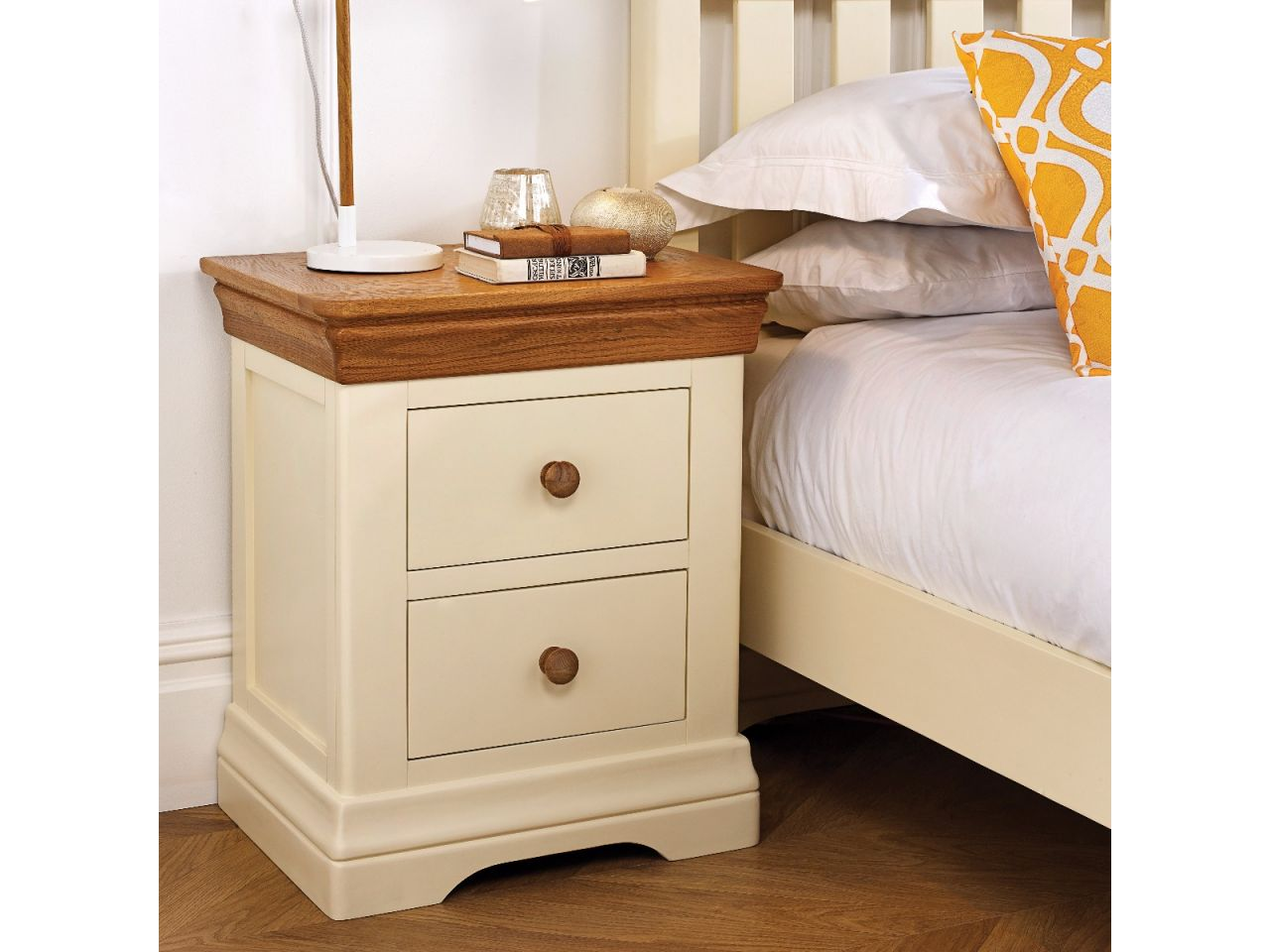 farmho629 farmhouse country oak cream painted bedside table 9