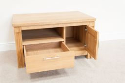 Baltic Premium Solid Oak TV Unit Measuring 90cm x 55cm x 50cm