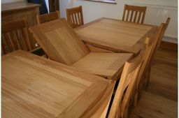 2.4m 2.9m Tallinn Butterfly Extending Oak Dining Table