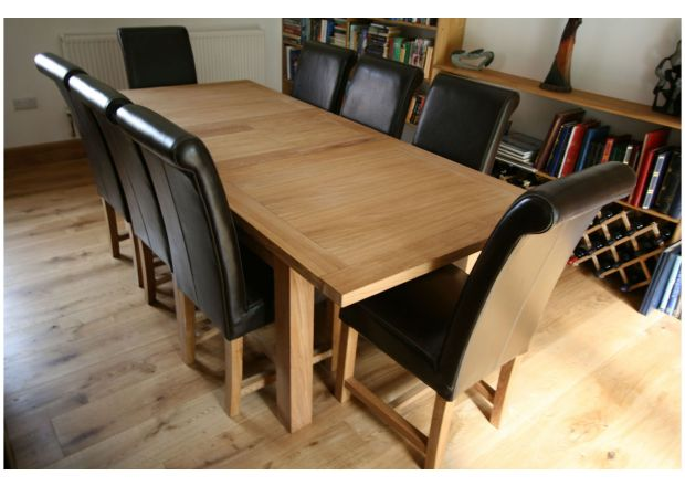 Tallinn 200cm Extending Oak Table and 6 Titan Brown Leather Chairs Set
